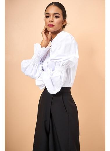 Eda Atalay Kol Detaylı Gömlek Beyaz